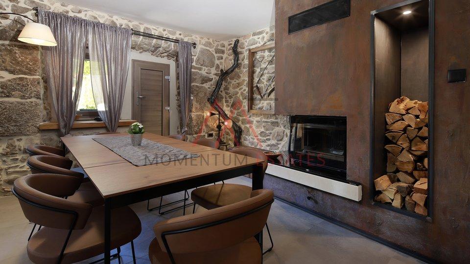 Hiša, 180 m2, Prodaja, Punat