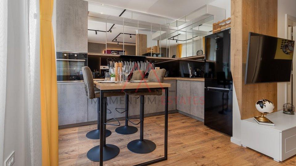 Dizajnerski renoviran investicijski stan