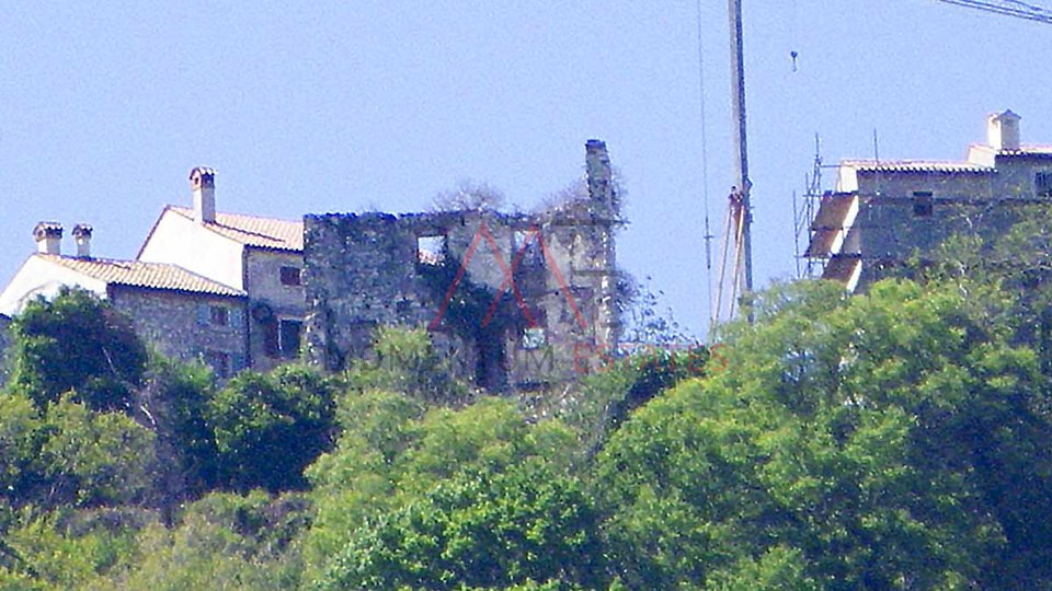 Kaštel, 2 ruins with land and sea view