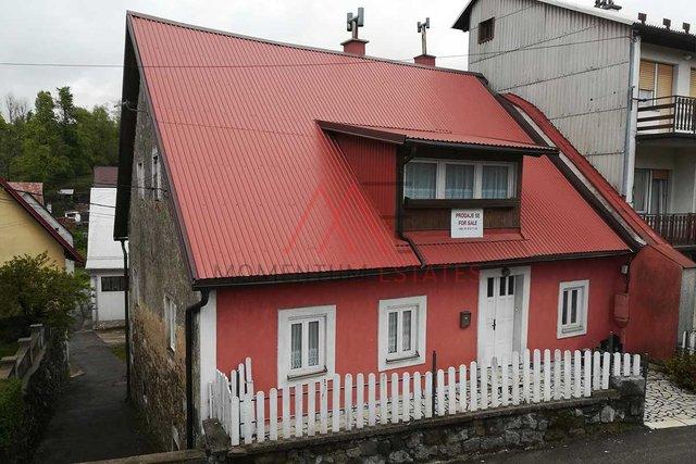 Hiša, 330 m2, Prodaja, Fužine