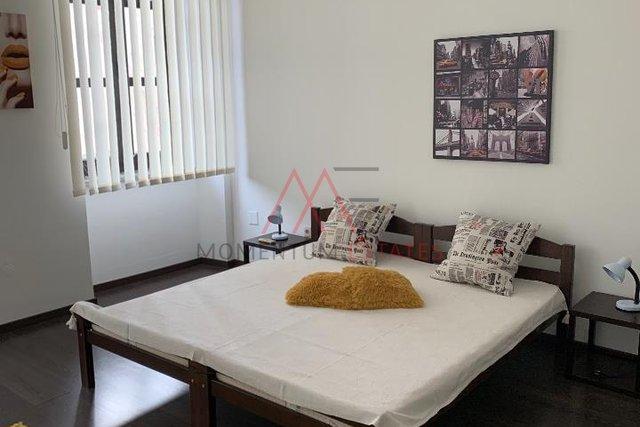 Stan, 72 m2, centar