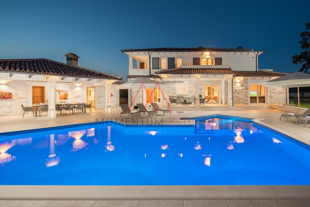 Tinjan, incredible luxurious villa with pool