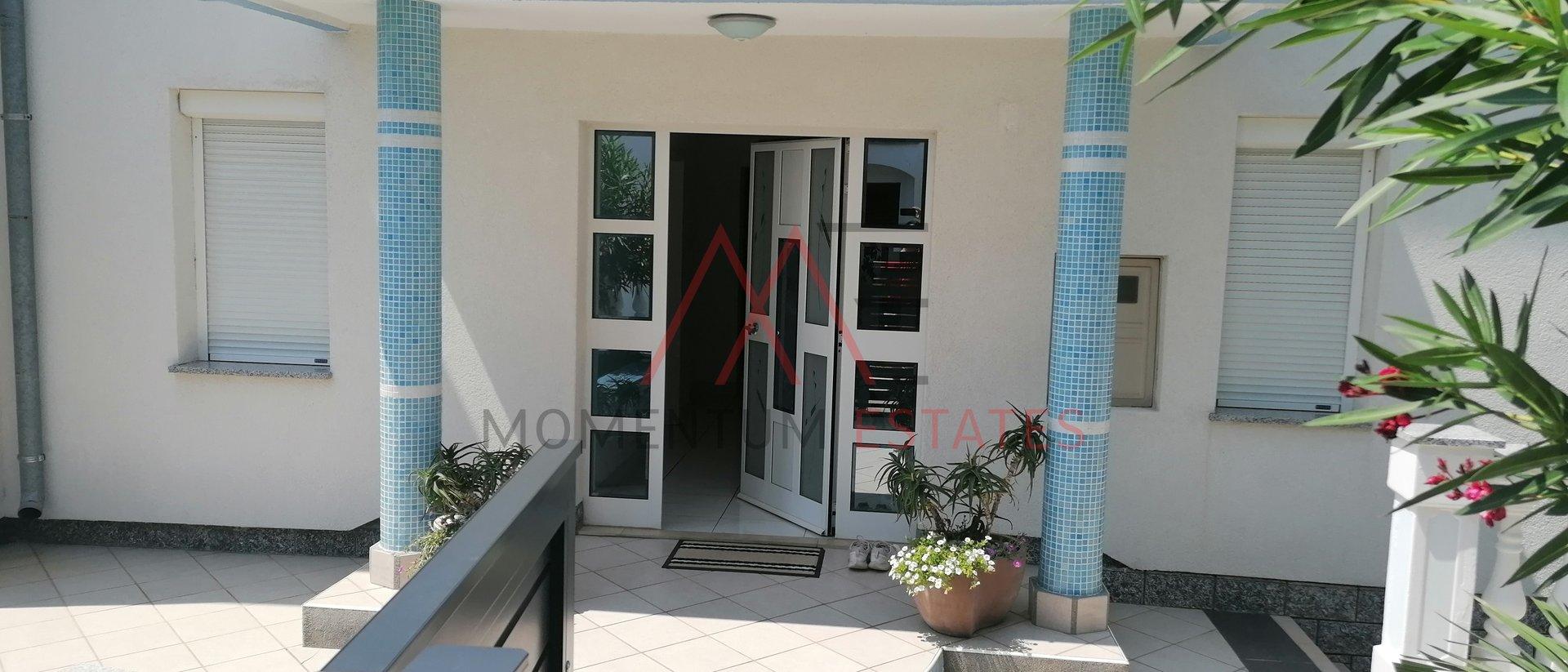 Hiša, 250 m2, Prodaja, Crikvenica