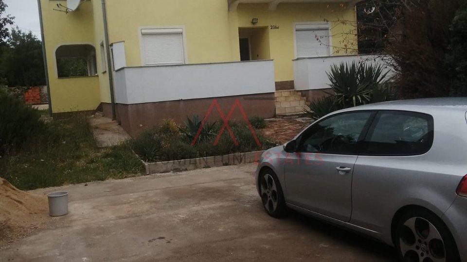 Stanovanje, 98 m2, Najem, Krasica