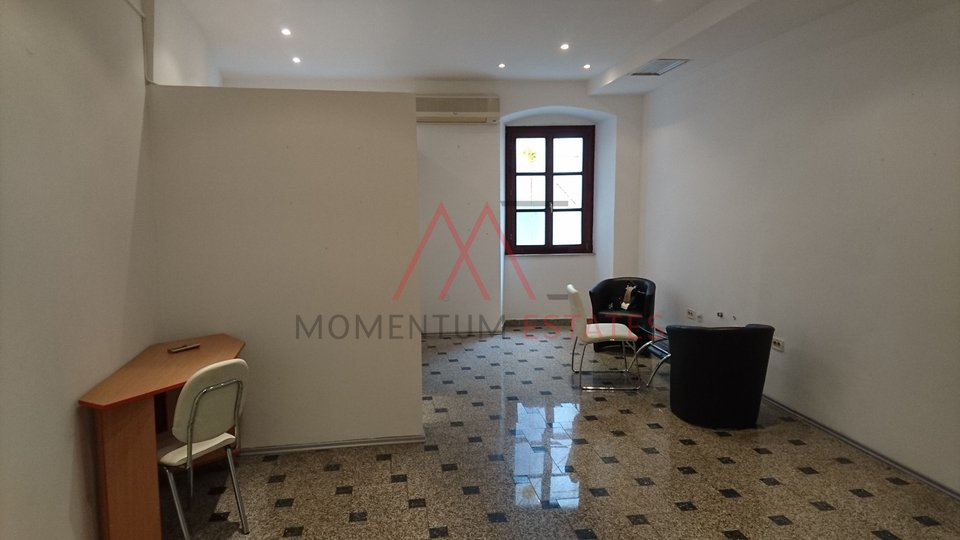 Commercial Property, 42 m2, For Rent, Rijeka - Centar