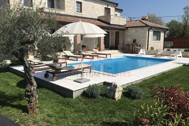 Rustic villa with pool in Istria