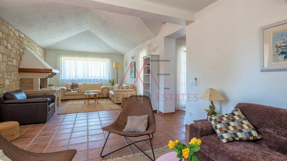 Hiša, 211 m2, Prodaja, Poreč